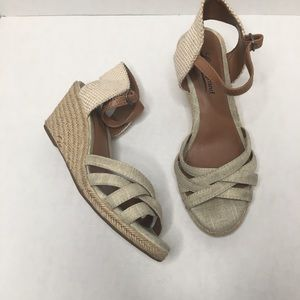 Lucky Brand cream wedges size 5